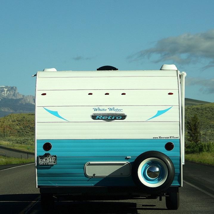 Caravan poetsen